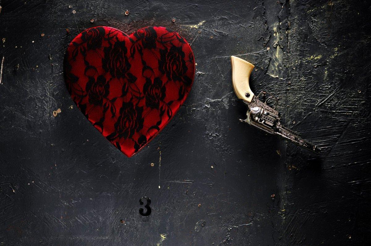 Обои с разбитым сердцем
