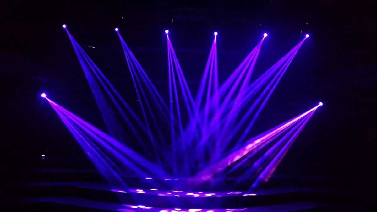 Фон сцена с прожекторами