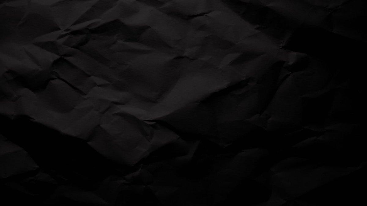 Фон черной мятой бумаги