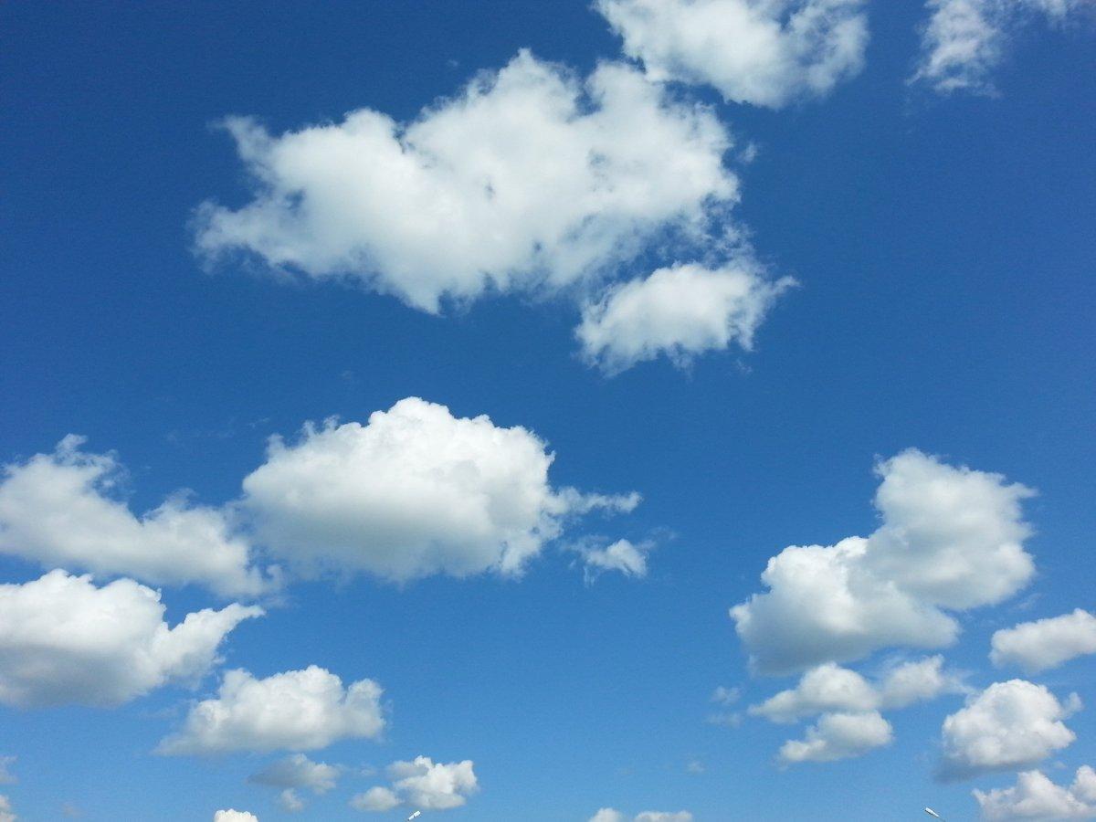 Голубое небо текстура