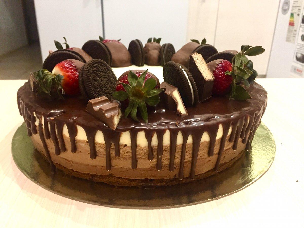 Украшение торта три шоколада